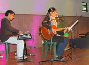 Sofía Ascárate dedica unas canciones al público